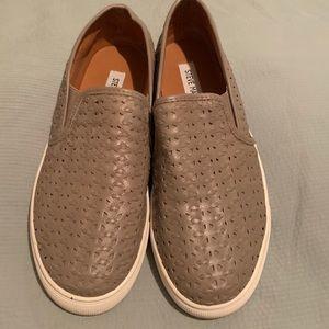 Steve Madden slip on sneaker tan weave shoe
